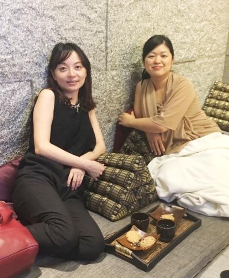 黃醫師帶著加奈子品嚐台灣的美食! 她還認真做了功課喔!芒果冰、胡椒餅、小籠包、豆花、金峰滷肉飯、滬杭豆漿!