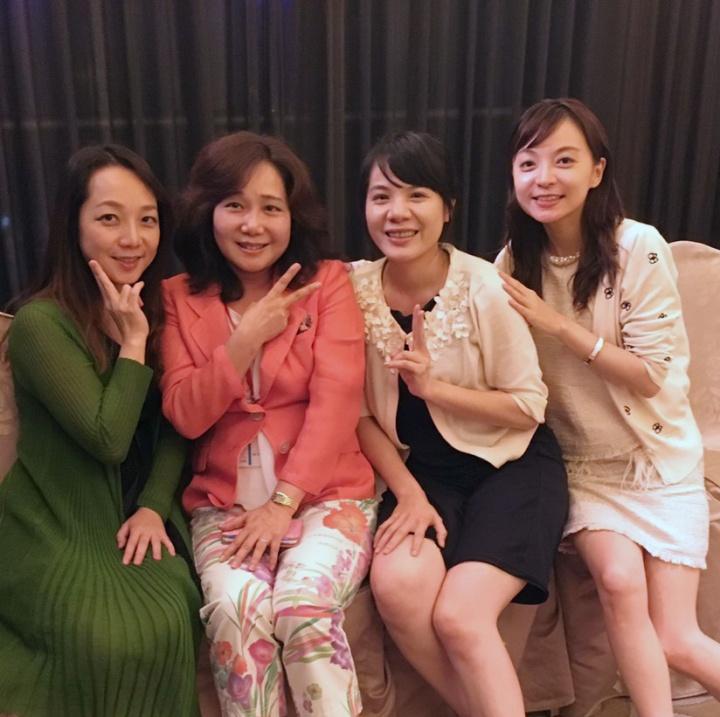 橋場千織醫師個人的魅力無窮!在日本總是有一堆醫師圍著她,在台灣,也是超人氣!